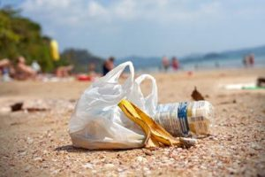 rifiuti_spiaggia_ftlia