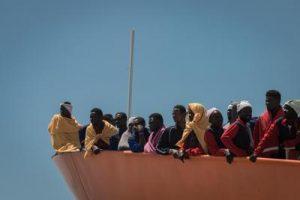 migranti_nave_barcone_fg_ipa