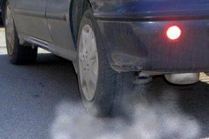 Auto_smog_inquinamento_fg_3-3-2645464000