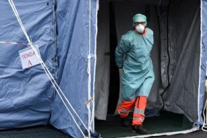 coronavirus_Medico_tenda_Afp
