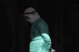 medico_triste_coronavirus_fg