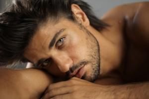 roma gay escort ragazzo moro occhi azzurri