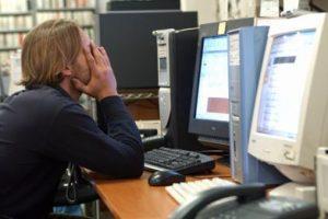 lavoro_stress_scrivania_fg
