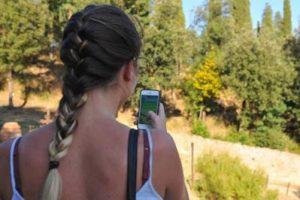 smartphone_ragazza_fg