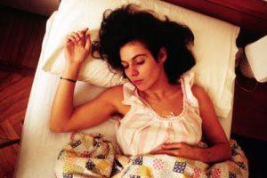 sonno_letto_donna_fg